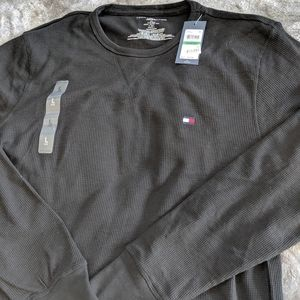 Tommy Hilfiger Men/'s Black Waffle Thermal Crew-Neck Long Sleeve T-Shirt